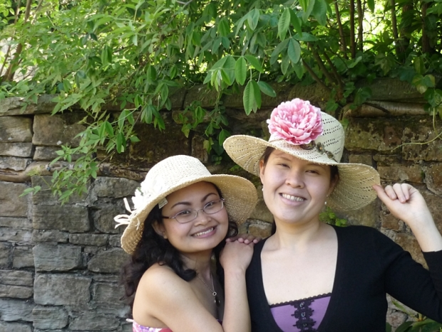 Dressing up in an english country garden