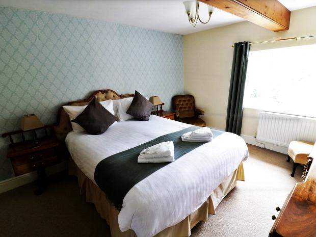 LuxuryHeritageTours_TheMorritt_Master-Room